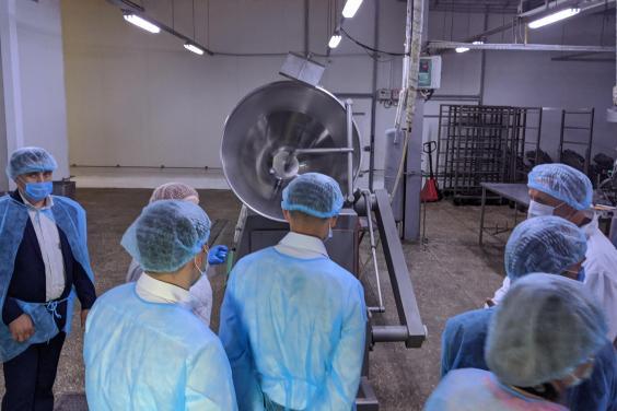 Олексій Кучер відвідав два підприємства харчової промисловості у Нововодолазькому районі