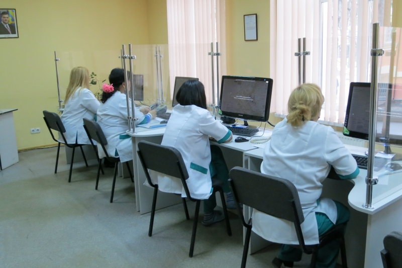 vakansii-operator-koll-tsentra-v-meditsinskiy-tsentr