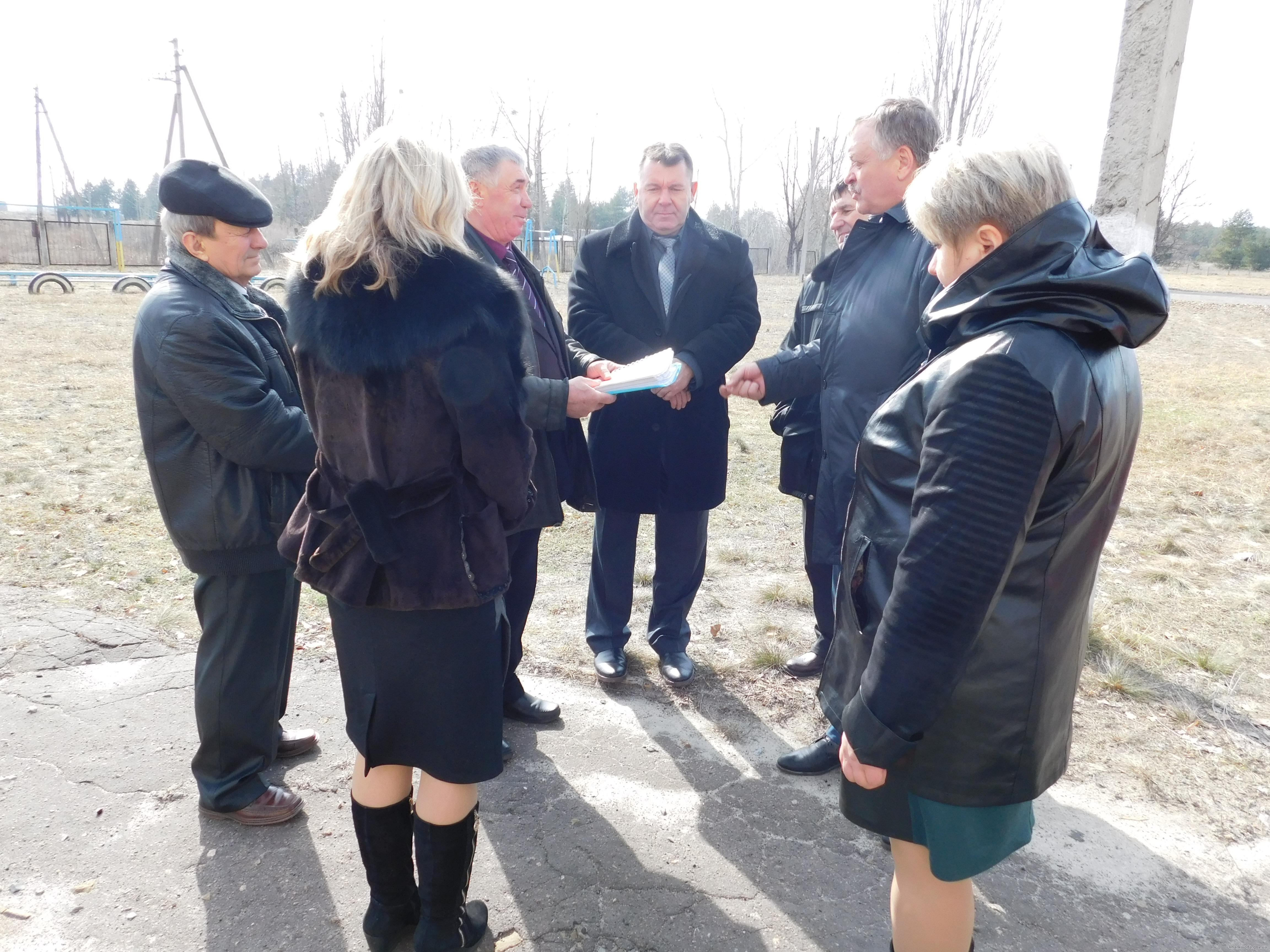 Евгений Шахненко проверил, как реконструируют Дом культуры в Купянске (ФОТО)