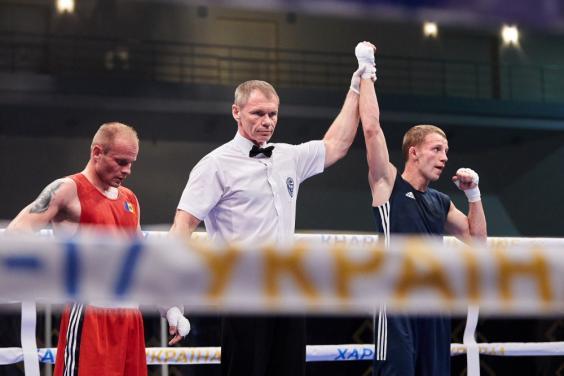 Шестак и Муслимов получили лицензии на чемпионат мира по боксу (ФОТО)