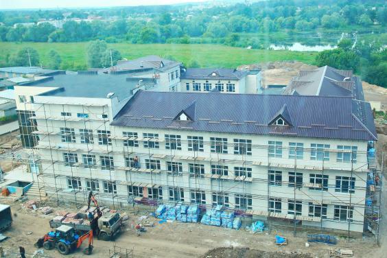 Новая школа в Песочине откроется 1 сентября, а реконструкция филармонии завершится в 2018-м