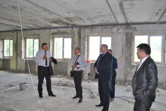 В Близнюках началась реконструкция помещения под новый детский сад