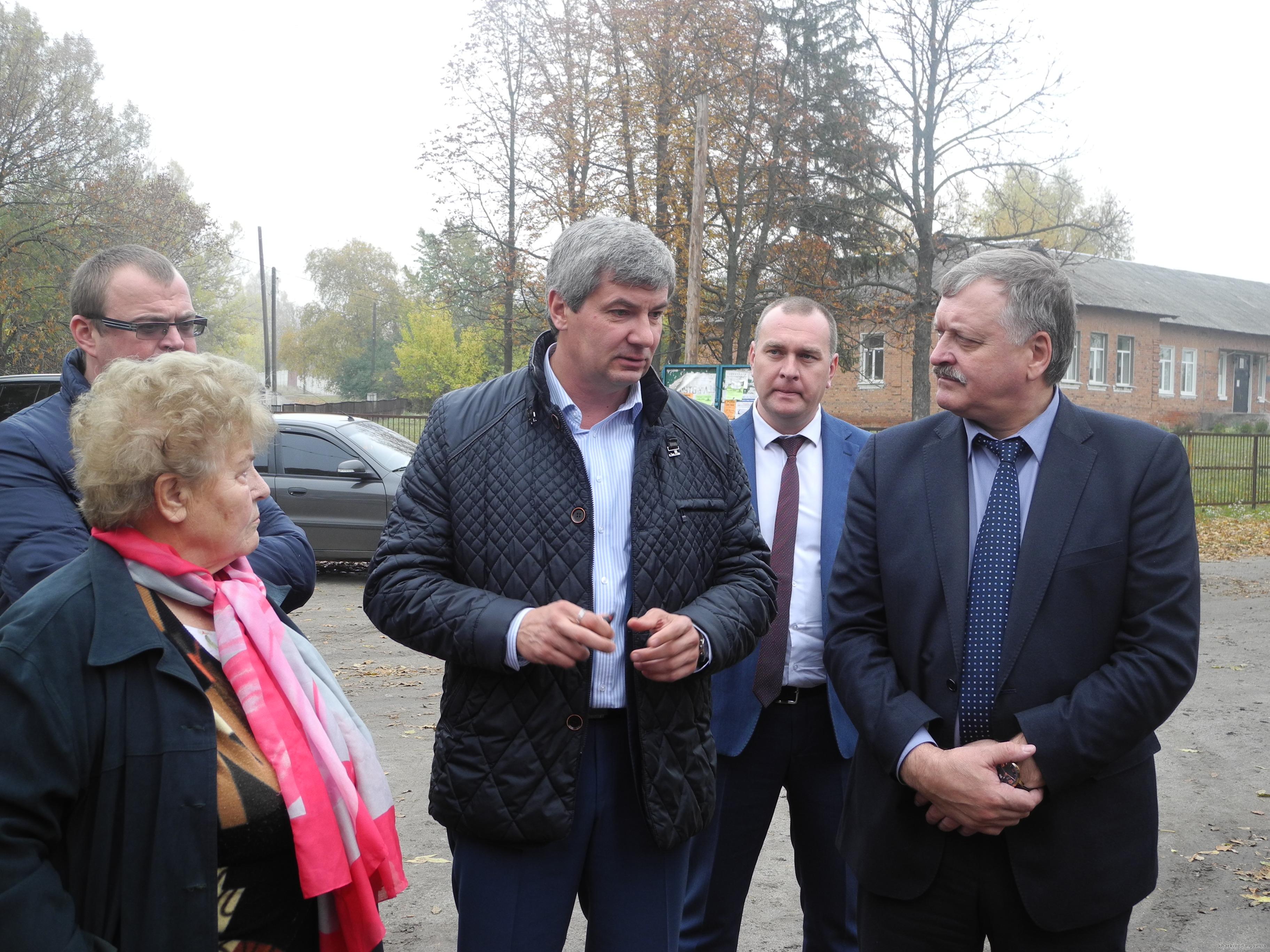 В Харьковской области ремонтируют клуб и строят новую спортплощадку (ФОТО)