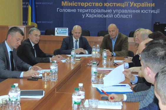 На Харьковщине продолжают работу по предотвращению рейдерского захвата земли