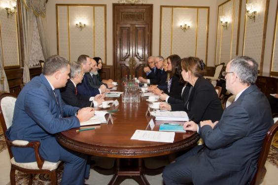 Игорь Райнин и Мустафа Джемилев обсудили ситуацию в Крыму с делегацией Конгресса региональных властей СЕ