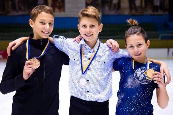 Юные фигуристы успешно выступили на чемпионате Украины