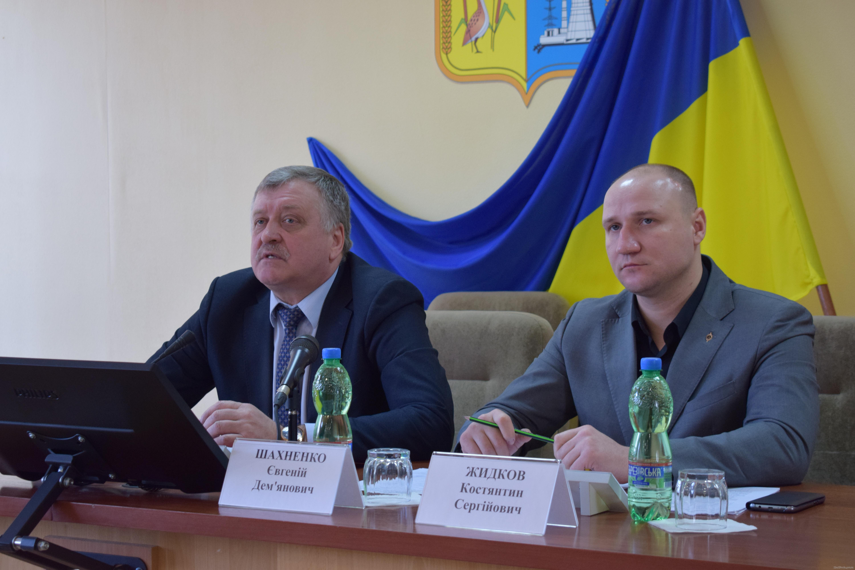 Зам Светличной проверил работу комплекса ЖКХ Дергачевского района
