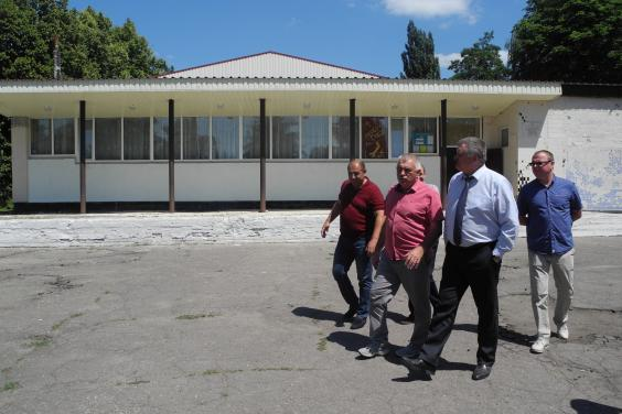 У Золочівському районі відремонтують клуб у селі Одноробівка та їдальню школи в Удах