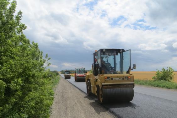Дорожники на 90% виконали ремонтні роботи на дорозі Харків - Вовчанськ