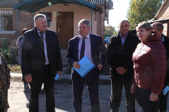 У селі Феськи реконструюють каналізаційно-насосну станцію
